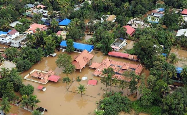 nt5kfrp8_kerala-floods-afp_625x300_20_august_18